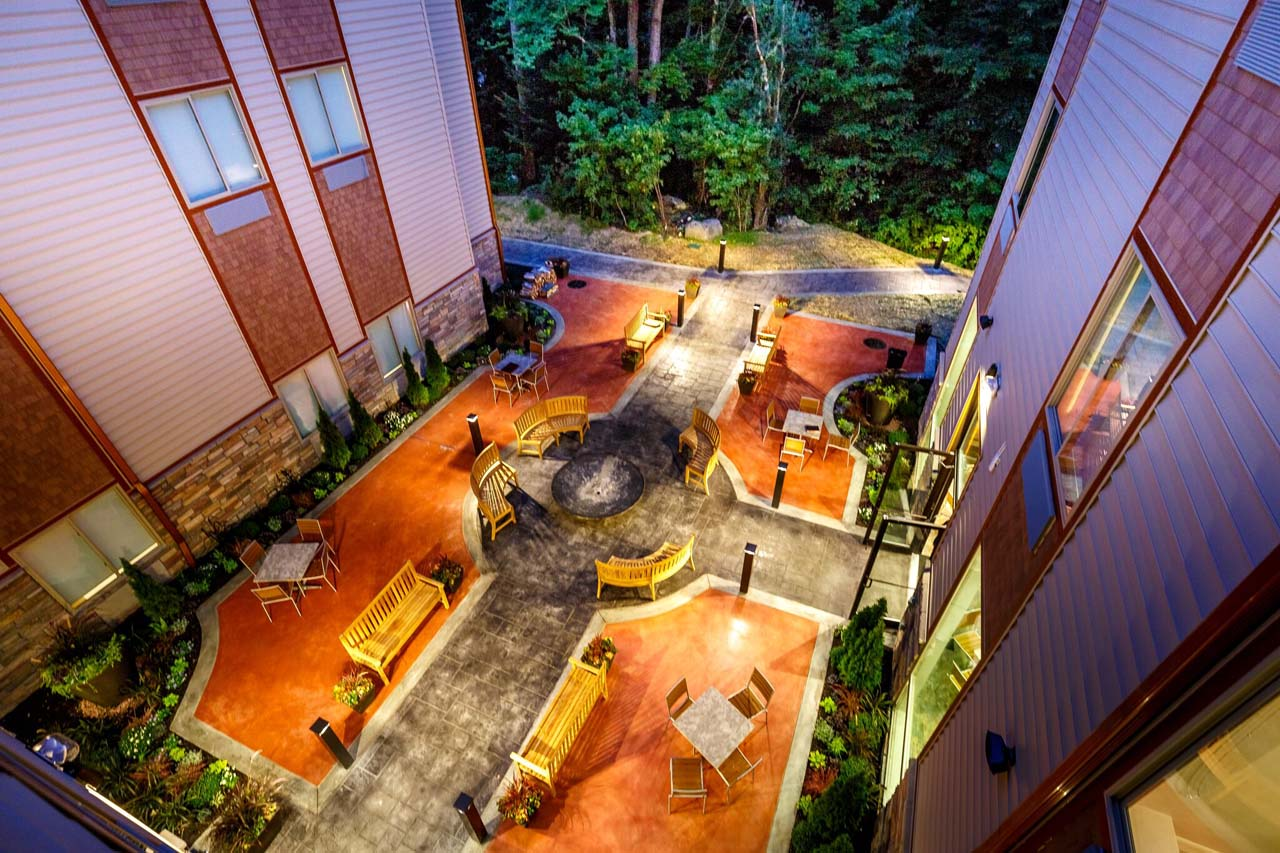Chandler Hotel Courtyard