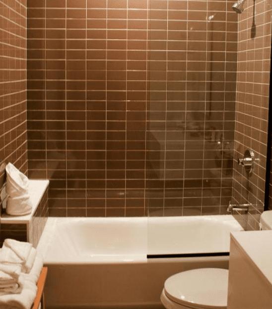 Chandler King Room Bathroom