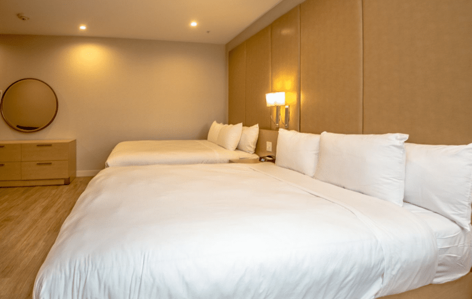 Chandler Luxury Studio Suite two beds